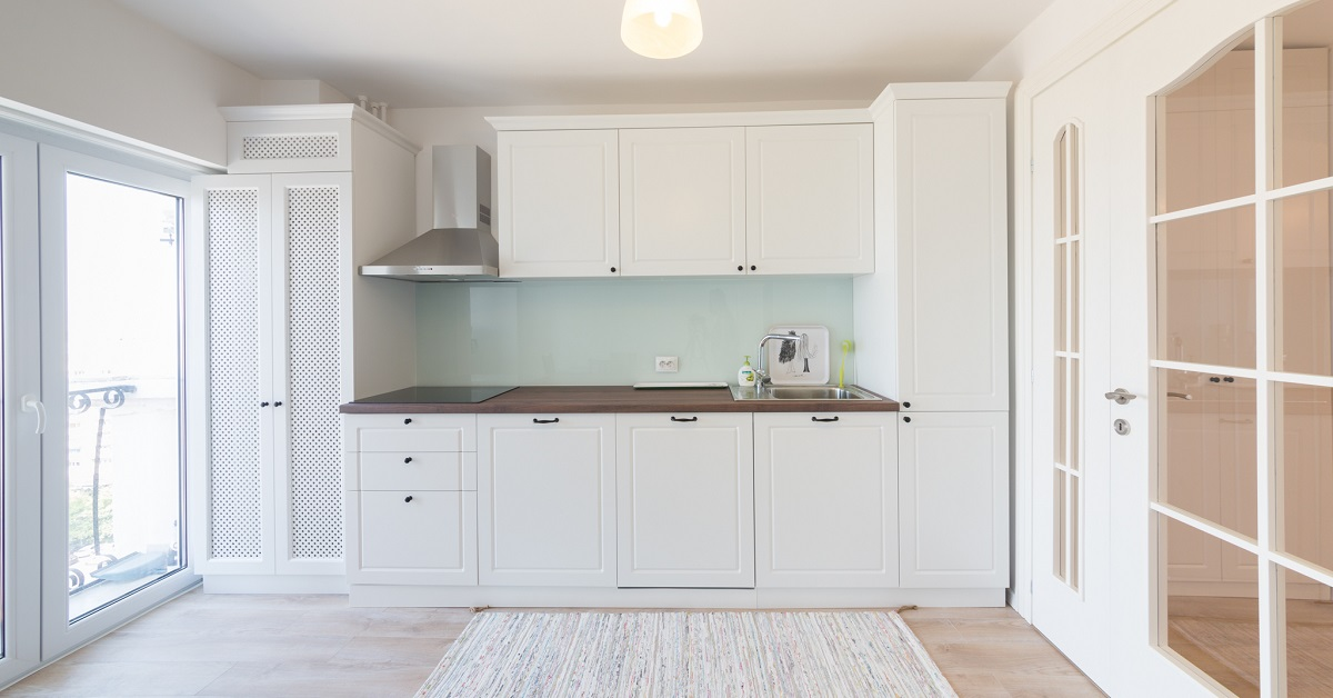 Bucătărie White Beauty - Mobilier La Comandă - Fabrică București
